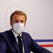 Représentation d'Emmanuel Macron en Hitler : le colleur d'affiches récidive avec Pétain