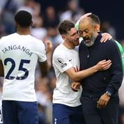 Manchester City étrenne son titre de champion par une défaite contre Tottenham