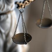 Mise en examen et incarcération d'un ex-gendarme, figure du milieu complotiste