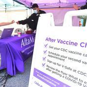 Un pharmacien arrêté aux États-Unis après avoir vendu des cartes de vaccination sur eBay