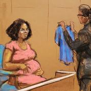 Violence et humiliation: au procès de R. Kelly, une victime témoigne