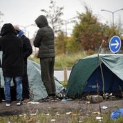 Calais : l'interdiction de distribution de nourriture, en vigueur depuis près d'un an, à nouveau prolongée