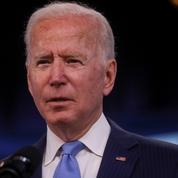 Les vastes plans d'investissements de Biden surmontent une étape clé au Congrès