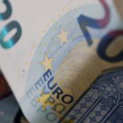 L'euro recule face au dollar, le marché hésite avant Jackson Hole