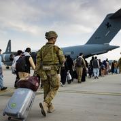Les Occidentaux appellent à quitter l'aéroport de Kaboul en raison de «menaces» terroristes