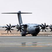 Afghanistan : le dernier avion français parti de Kaboul a atterri à Vélizy-Villacoublay