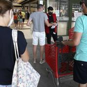 Le Medef demande l'arrêt du passe sanitaire pour les centres commerciaux