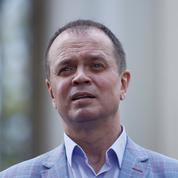 Un avocat réputé lié à Navalny fuit la Russie