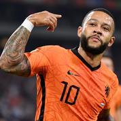Foot : les Pays-Bas et le Danemark cartonnent, Memphis et Haaland signent un triplé
