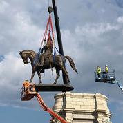 Un symbole majeur du passé esclavagiste des États-Unis déboulonné