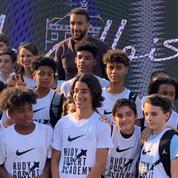 Basket : Rudy Gobert inaugure un terrain à son effigie et lance son académie