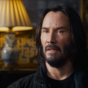 Keanu Reeves face aux pilules de la nostalgie dans la première bande-annonce de Matrix Resurrections
