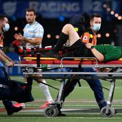 Rugby : l'arbitre de Racing-La Rochelle sort sur civière