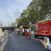 Paris : un incendie se déclare sous le pont National, la circulation perturbée