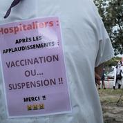 Ces soignants déterminés à échapper à l'obligation vaccinale, quitte à perdre leur emploi