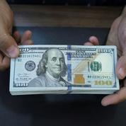 Le dollar se reprend après un indicateur défavorable sur l'inflation