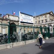 Paris: deux ambulanciers recherchés pour avoir pris la fuite après avoir déposé un homme en train de mourir aux urgences