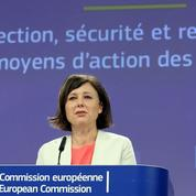 Bruxelles veut renforcer la protection des journalistes face aux attaques
