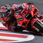 MotoGP : auteur de la pole, Bagnaia met la pression sur Quartararo