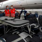 Covid-19 : huit patients en réanimation transportés depuis Tahiti jusqu'en métropole, une première mondiale