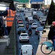 Avec le retour au bureau, routes, pistes cyclables et transports en commun refont le plein en Île-de-France