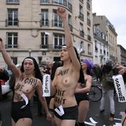 Incidents pendant une manifestation anti-mariage pour tous : non-lieu pour sept Femen et Caroline Fourest