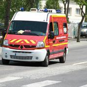 Il se filme en insultant des pompiers en intervention et en leur volant du matériel