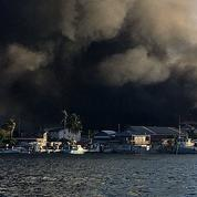 Honduras : incendie maîtrisé sur une minuscule île touristique, 90 maisons détruites
