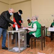 Élections en Géorgie: le parti au pouvoir en tête, accusations de fraudes
