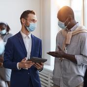 Covid-19 : 74% des salariés souhaitent enlever leur masque en entreprise