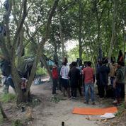 Calais : 200 personnes pour une marche blanche en hommage à un jeune migrant décédé