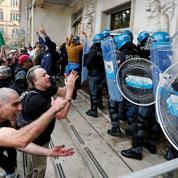 Rome : des membres du groupuscule d'ultradroite Forza Nuova arrêtés après des manifestations violentes