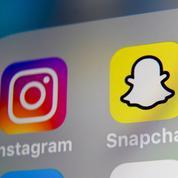 Sur Instagram et Snapchat, les influenceurs partagent de nombreuses théories complotistes