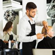 Les coiffeurs (aussi) manquent de bras