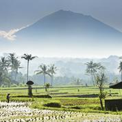 Bali rouvre ses frontières dans la confusion après un an et demi de fermeture