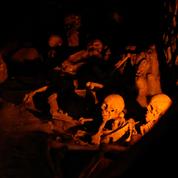 Happée par la nuée ardente dans sa fuite, une victime du Vésuve retrouvée sur la plage d'Herculanum