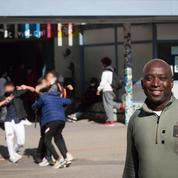 Dans un collège de Bagnolet, Bamba est aux aguets pour apaiser les tensions