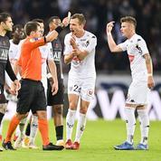 «C'est une erreur de notre part» : le patron de l'arbitrage français plaide coupable après PSG-Angers