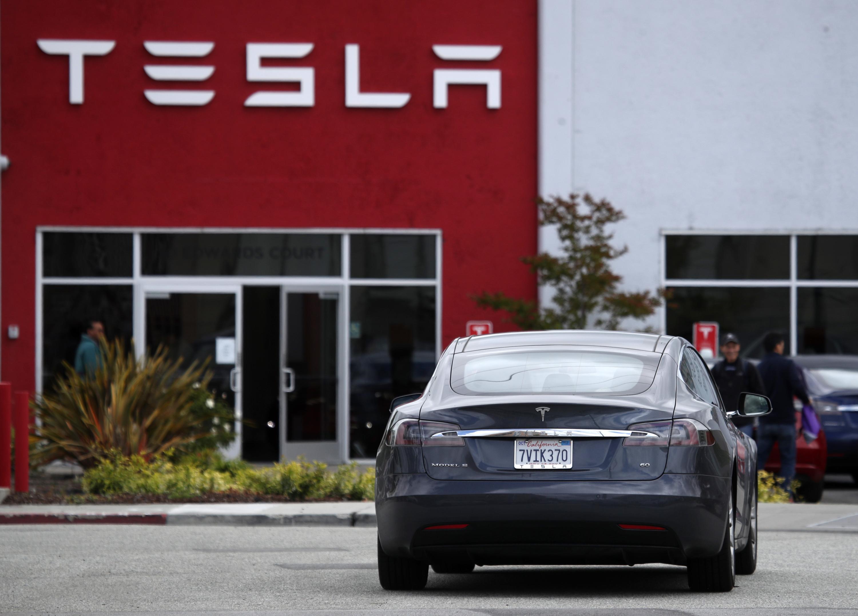 Semoic la Voiture Volant Les Pi/èCes D/éCoratives pour Tesla Model 3 2017-2019 ABS Volant Les Accessoires de Patch D/éCoratif