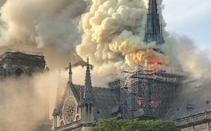 EN IMAGES - Un incendie en cours à Notre-Dame de Paris