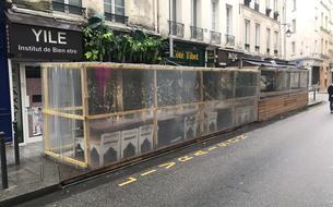 «Certaines sont bidonvillesques»: un collectif s'attaque aux terrasses éphémères à Paris