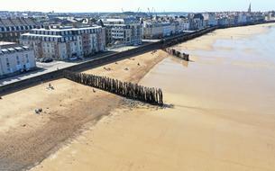 La probable vente des emblématiques brise-lames de Saint-Malo attise les convoitises