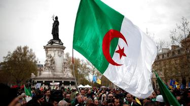 Paris : des milliers d'Algériens toujours dans la rue «contre le système»