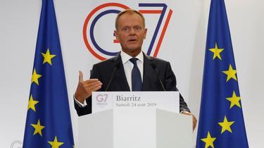 Tusk annonce que l'UE ripostera si les Etats-Unis taxent le vin français