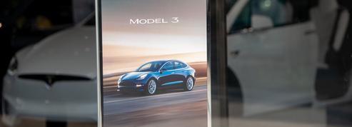 Tesla arrête de vendre en ligne la version à 35.000 dollars du Model 3