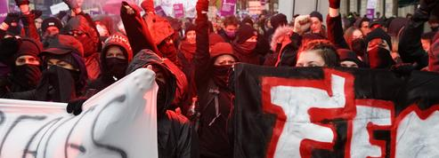 Violences sexistes et sexuelles : un black bloc féminin s'est formé à Paris