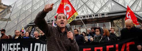 Perturbé par la grève, le Louvre ferme ses portes