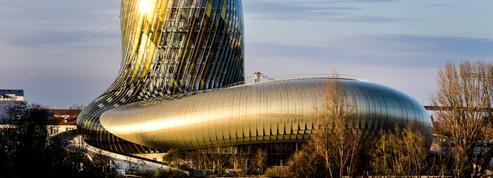Vacances d'été, ils se réinventent : à Bordeaux, la Cité du vin recentre ses activités sur la langue française