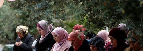 Coronavirus : les musulmans fêtent un Aïd el-Fitr confiné