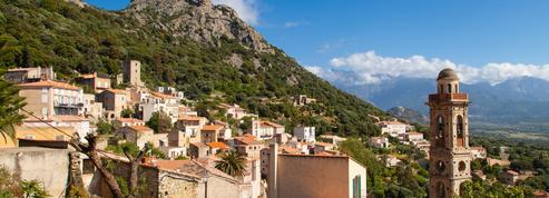 Levée des restrictions de vols: soulagée, la Corse déclare la saison d'été ouverte